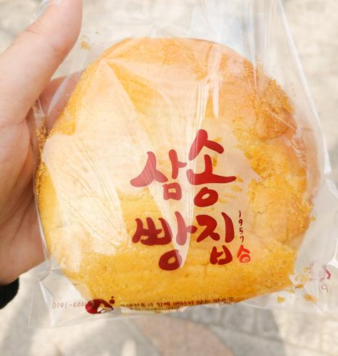 Corn bun at from Samsong Bakery
