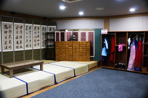 Exhibition inside Yangnyeongsi Medicine Museum